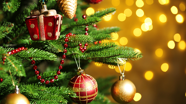 Ngập tràn sắc đỏ Noel - Du nhập văn hoá phương Tây nhưng đừng quên đi bản sắc Việt