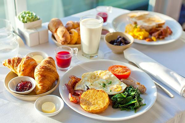 Lý do bạn nên chấm dứt ngay thói quen bỏ bữa sáng